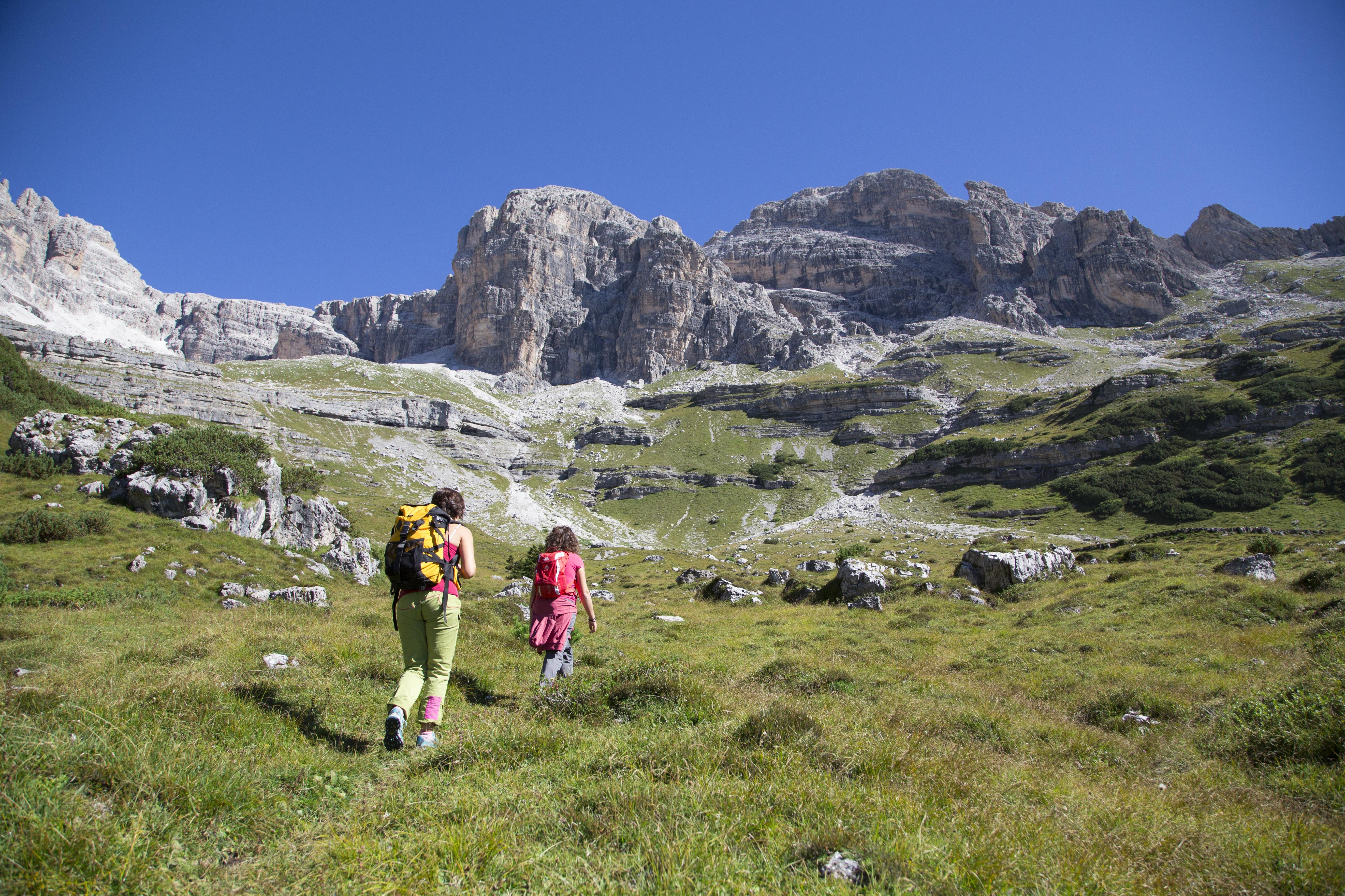 14 Notti ai piedi delle Dolomiti vicino Comano € 812
